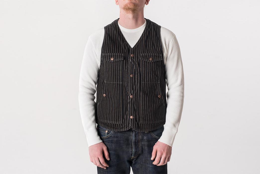 Iron-Heart-Hunting-Vests-model-front-black