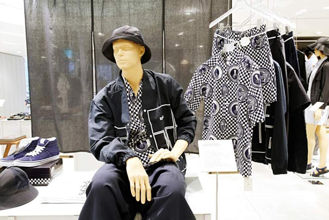 Beams-A-Brand-That-Shaped-Modern-Menswear-Beams-in-store-display-(image-via-Retail-Design-Blog)