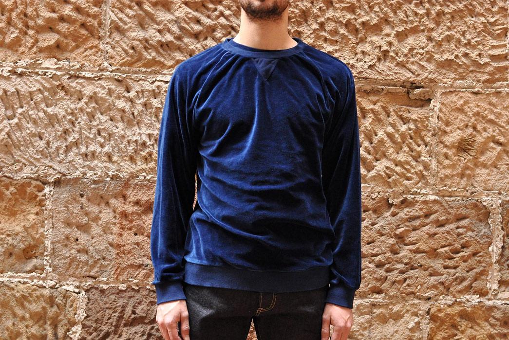 Blue-Blue-Japan-Indigo-Dyed-Velvet-Sweatshirt-model-front