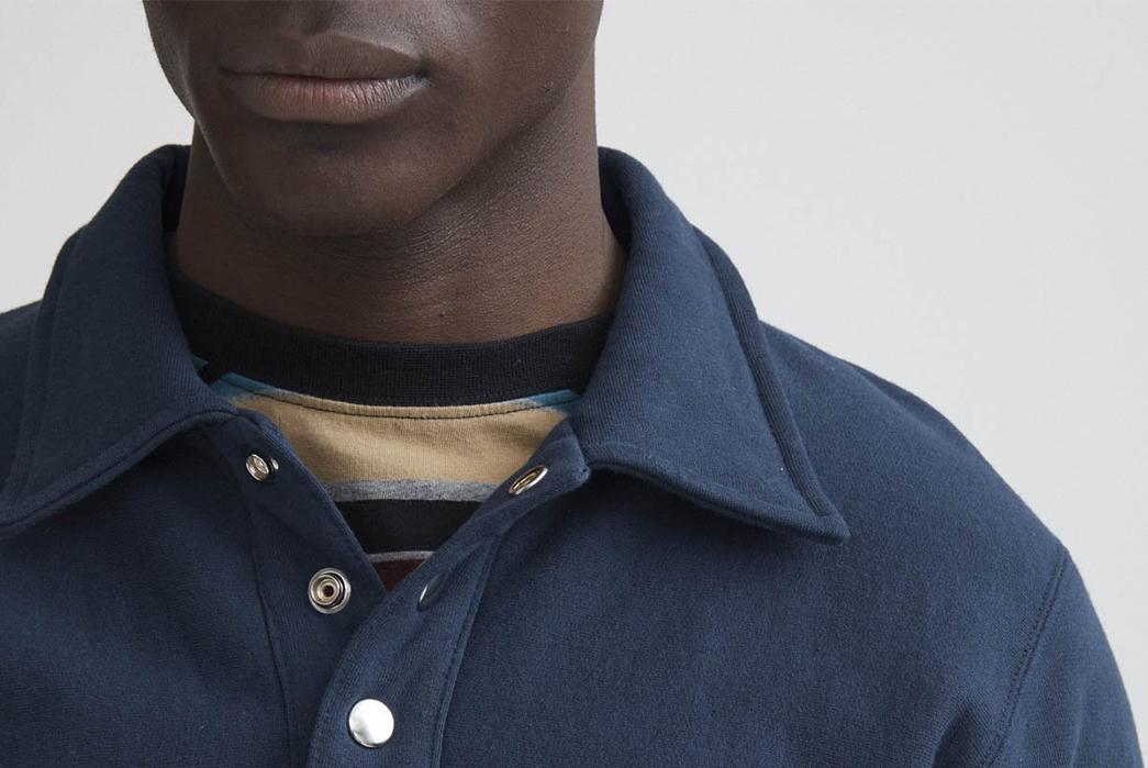 Noah Coaches Collar Crewneck model detaileds