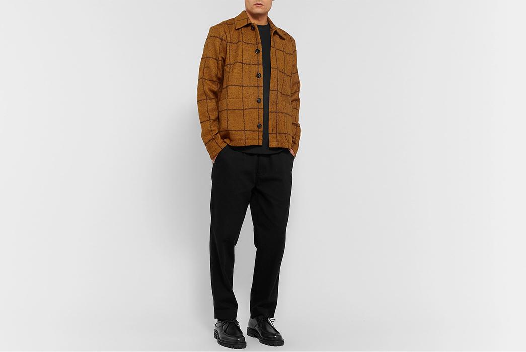 Séfr-Nico-Overshirts-light-brown-model-front