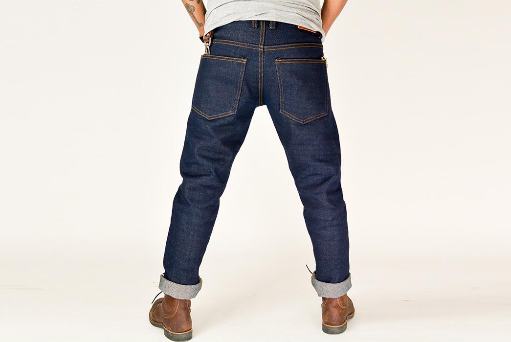 33.14-Days-in-33.14oz---My-Month-In-SoSo's-The-Breaker-of-Legs-model-back