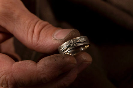 877-Workshop-Casts-Jewelry-The-Old-Way