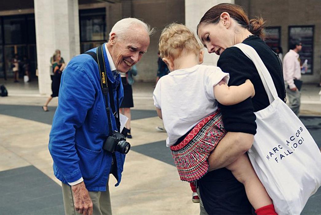 Behind-Bleu-de-Travail---Denim's-European-Cousin-Bill-Cunningham-at-Paris-Fashion-Week.-Image-via-Field-Grey.