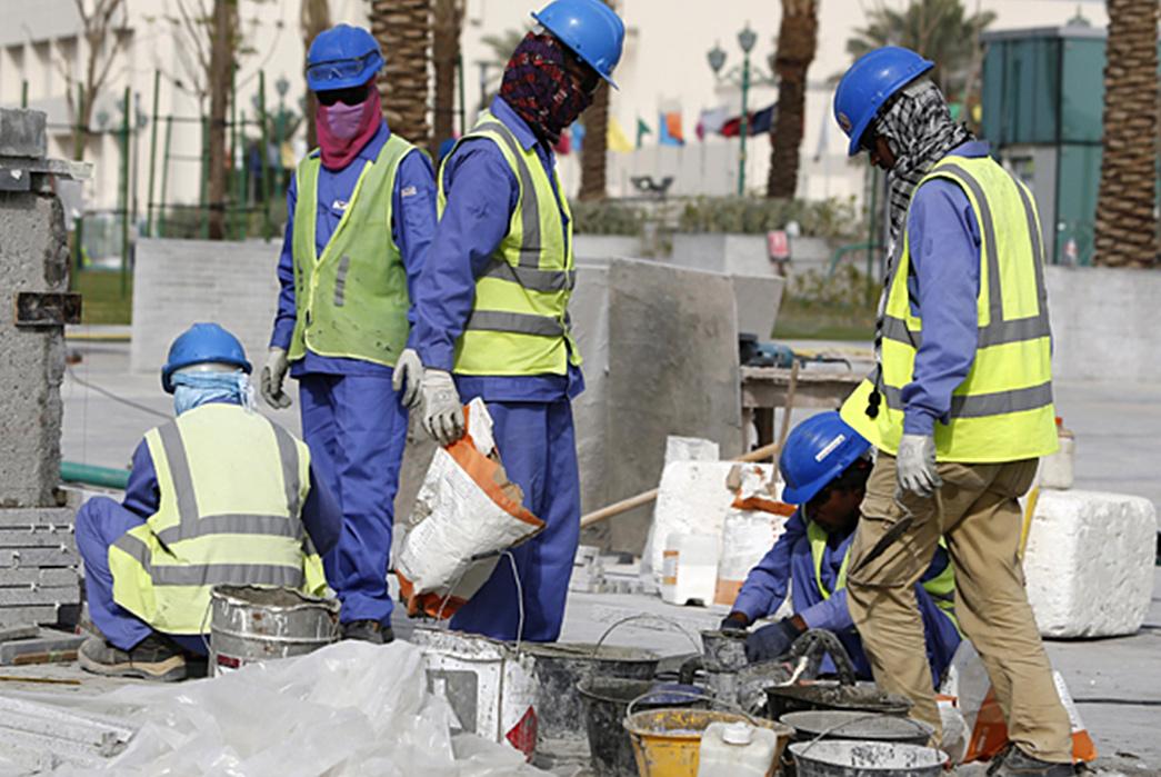 Behind-Bleu-de-Travail---Denim's-European-Cousin-French-Construction-Workers.-Image-via-RT.com