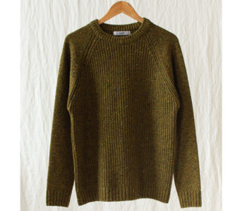 Fujito-Raglan-(Sweaters)-Are-My-Bag,-Man-green-front