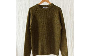 Fujito-Raglan-(Sweaters)-Are-My-Bag,-Man-green-front