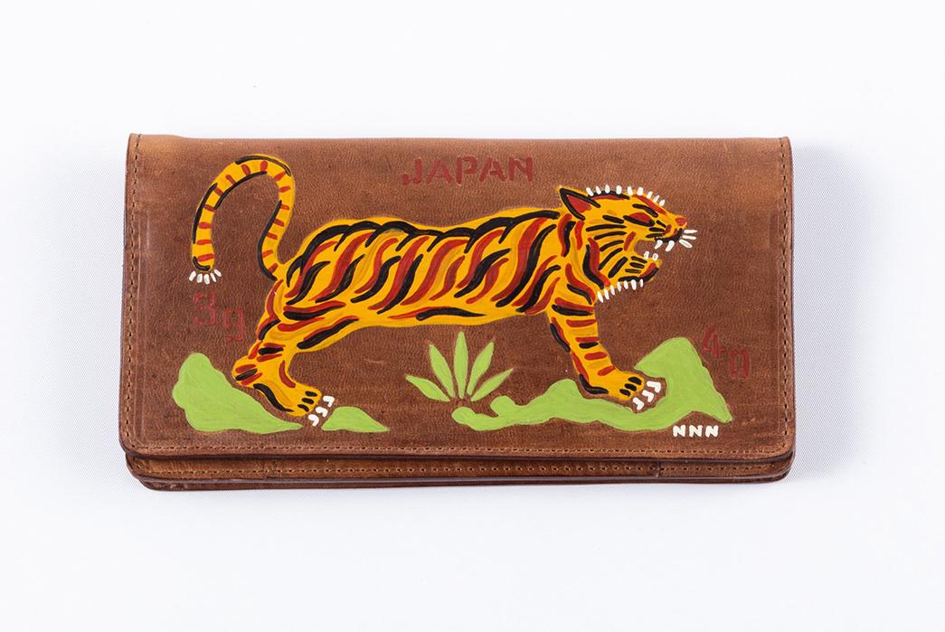 North-No-Name-Reproduces-Vintage-WWII-Souvenir-Wallets-tiger