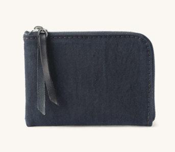 Tanner-Goods-is-Keepin'-It-Konbu-With-The-Universal-Zip-Wallet