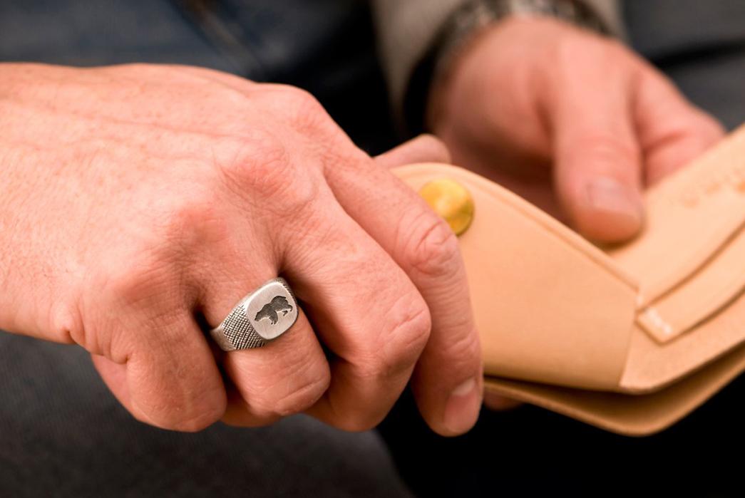 877-Workshop-Crafts-A-Signet-Ring-For-Ondura-model