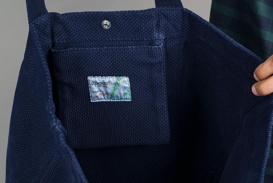 Epaulet-Crafts-a-Super-Heavyweight-Sashiko-Tote-Bag-model-blue-inside