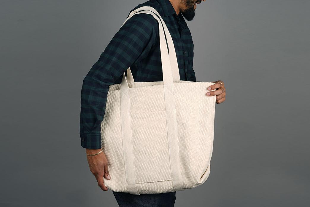 Epaulet-Crafts-a-Super-Heavyweight-Sashiko-Tote-Bag-model-white