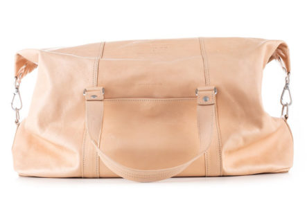 Butts-&-Shoulders-Vegetable-Tanned-Weekend-Bag-front
