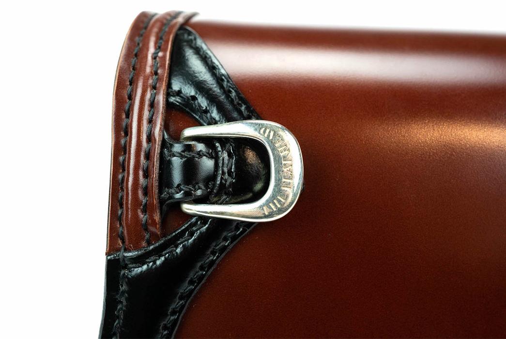 The-Flat-Head-Semi-Long-Cordovan-Wallet-buckle