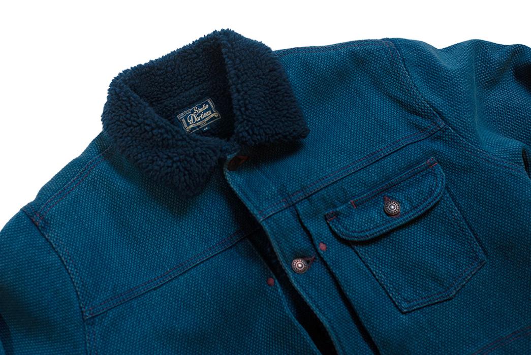 Studio-d'Artisan-Keeps-On-Truckin'-in-Hank-Dyed-Sashiko-front-collar-light-blue