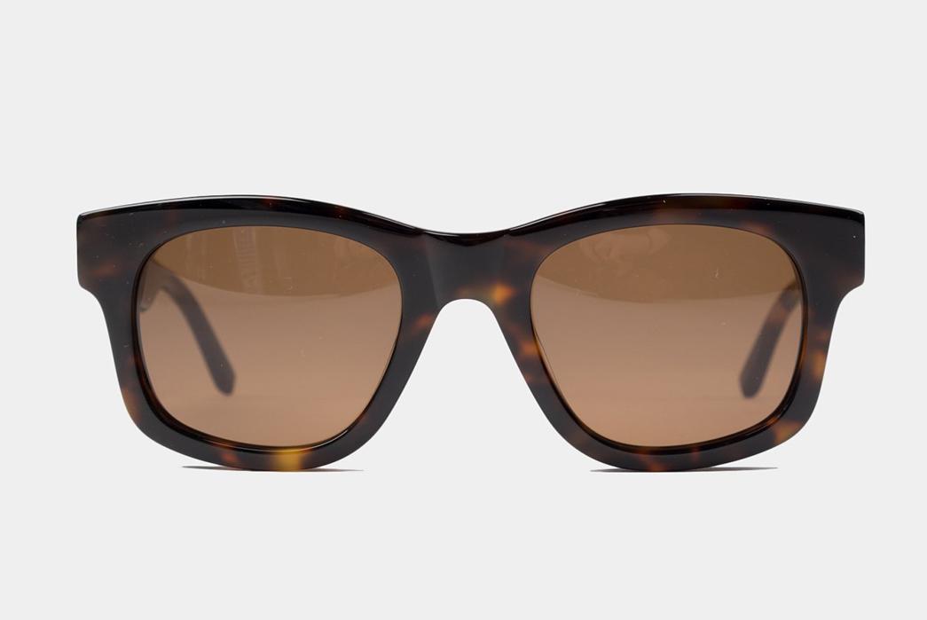 Sun-Buddies-Cuts-Its-Bibi-Frames-In-Tortoiseshell-Italian-Acetate-front