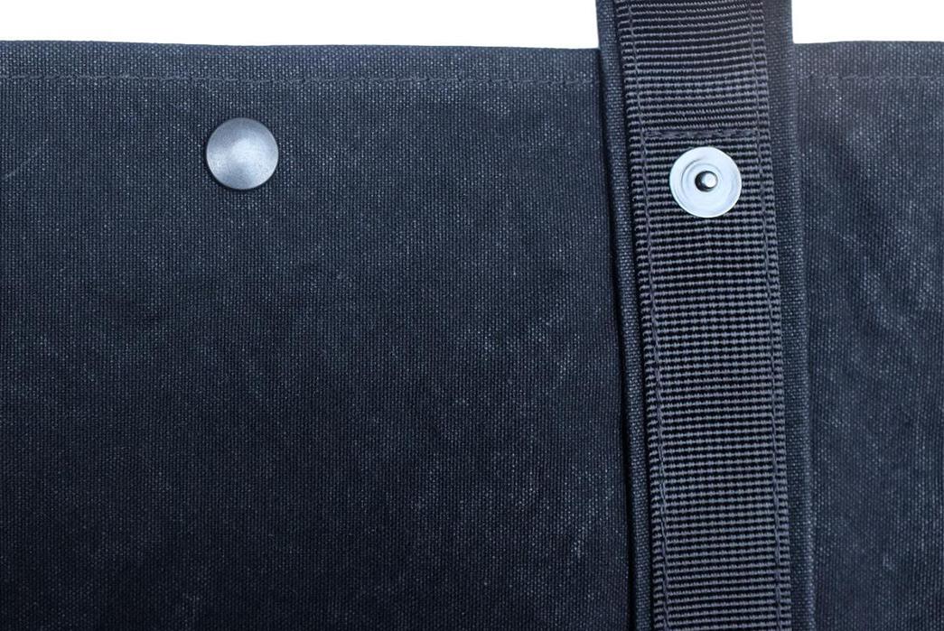 Takeyari-Canvas-Large-Tote-Bags-Are-Big-'n'-Waterproof-black buttons