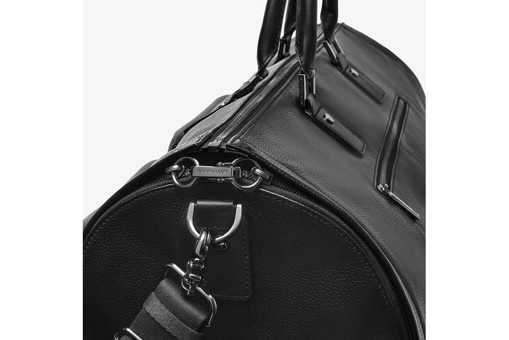 Leather-Duffel-Bags---Five-Plus-One-4)-Hook-&-Albert-Leather-Garment-Duffel-social