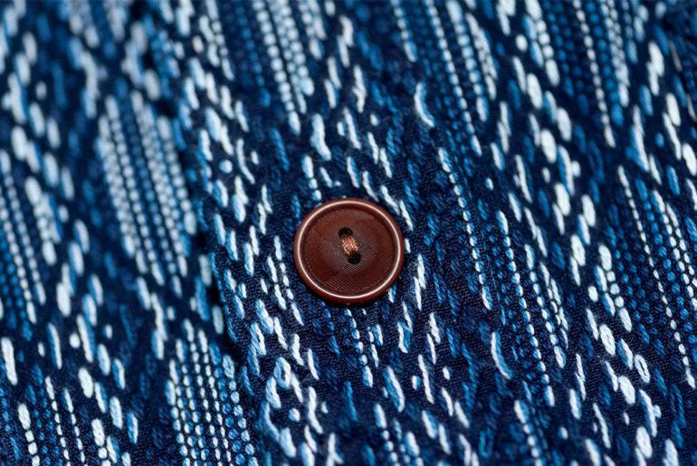 Sashiko-Shirts---Five-Plus-One-Plus-One---Pure-Blue-Japan-Dyed-Sashiko-Workshirt-button</a>