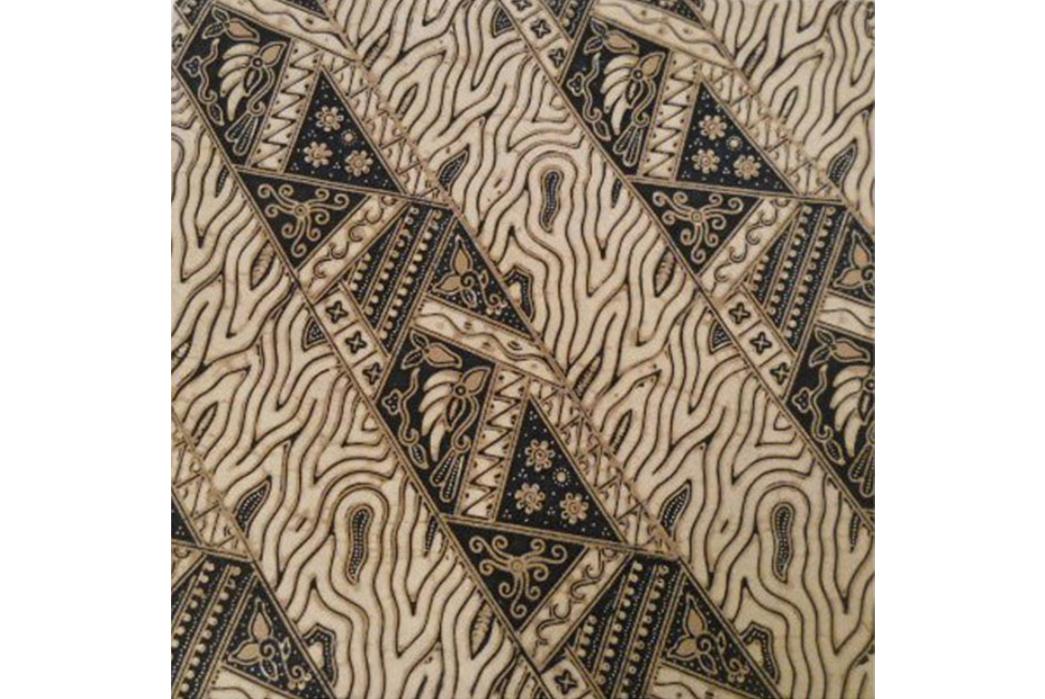 Tie-Dye---A-History-of-Shibori-Gone-Global-Vintage-Indonesian-Batik.-Image-via-rareasianantiques.