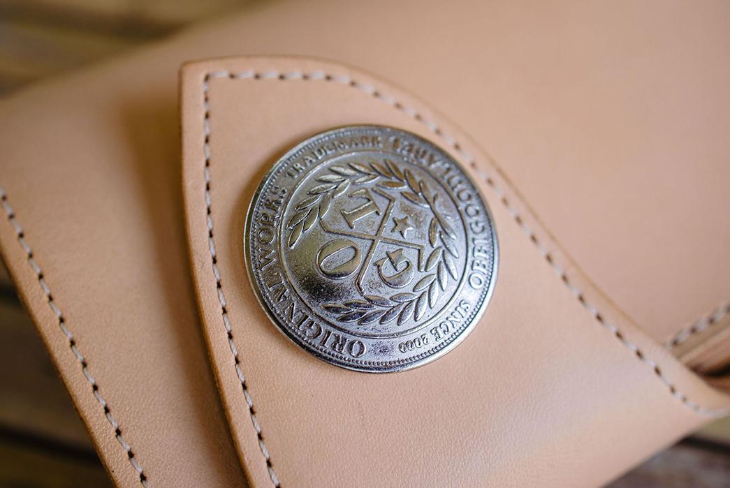 Take-Flight-With-Obbi-Good-Label's-Condor-Mid-Wallet-beige-button