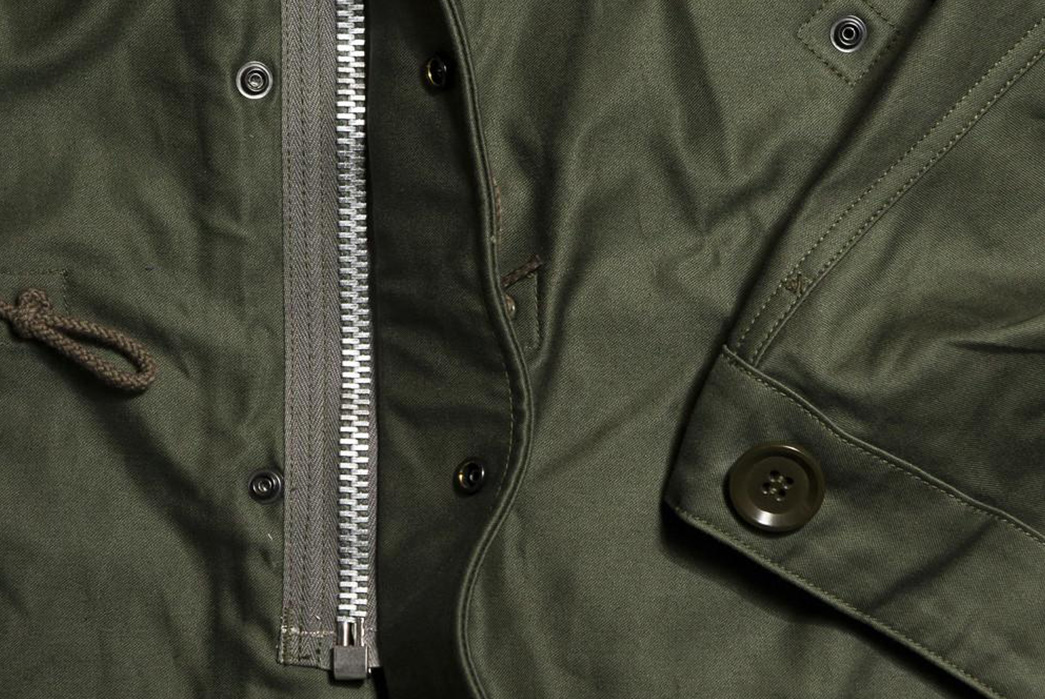The-Real-McCoy's-Provides-Its-Refined-Take-On-The-M-1951-Parka-front-zipper