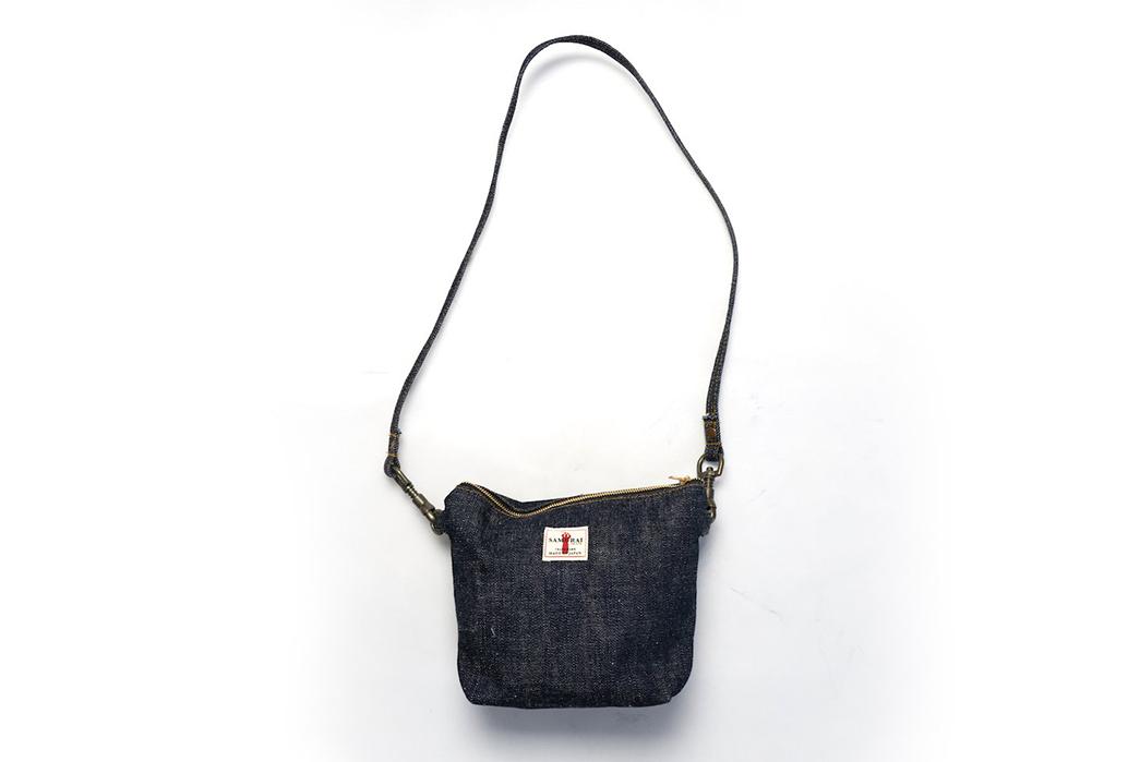 Samurai-Wields-a-17-oz.-Denim-Tool-Bag-with belt