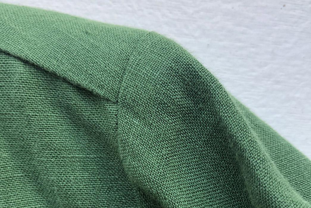 Blluemade-Sews-Up-a-Slouchy-Overshirt-In-Belgian-Linen-shoulder