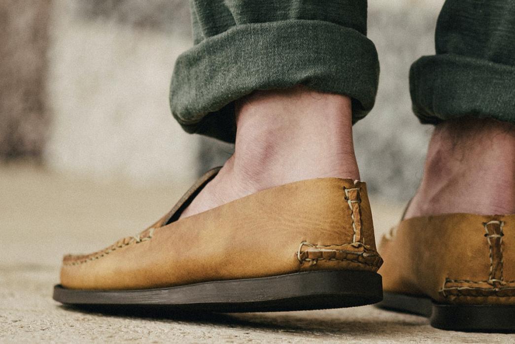 Oak-Street-Bootmakers-Slips-Into-Horween-Chromepak-Moccasins-natural-pair-model-back