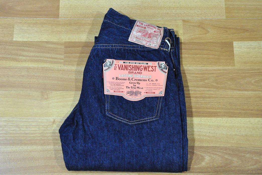 Vanish-Into-Blue-With-Freewheelers-601XX-1951-Jeans-folded