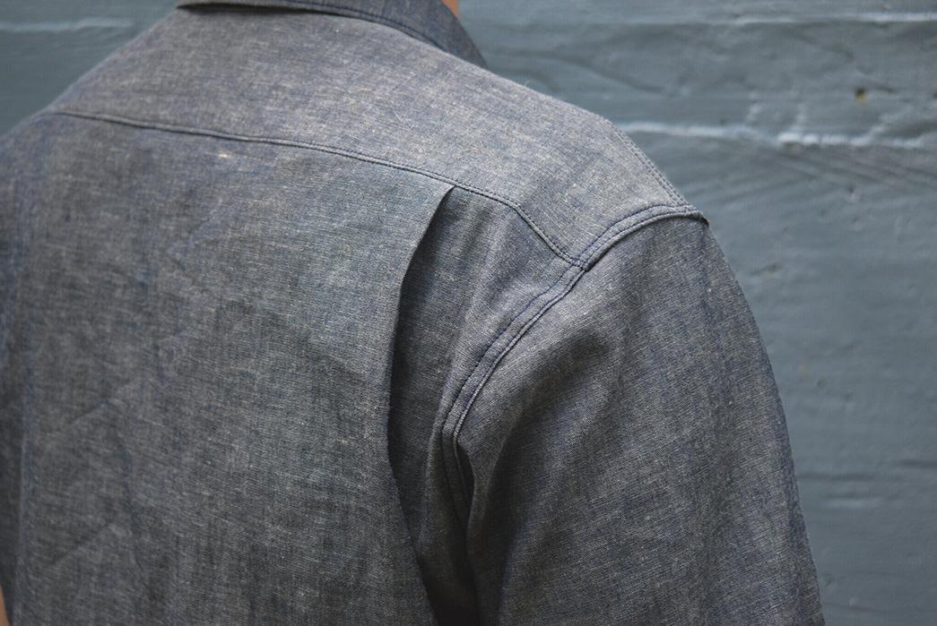 Grease-Point-Workwear-Updates-Its-Mechanic-Shirt-With-Three-Charming-New-Fabrics-dark-grey-back-shoulder