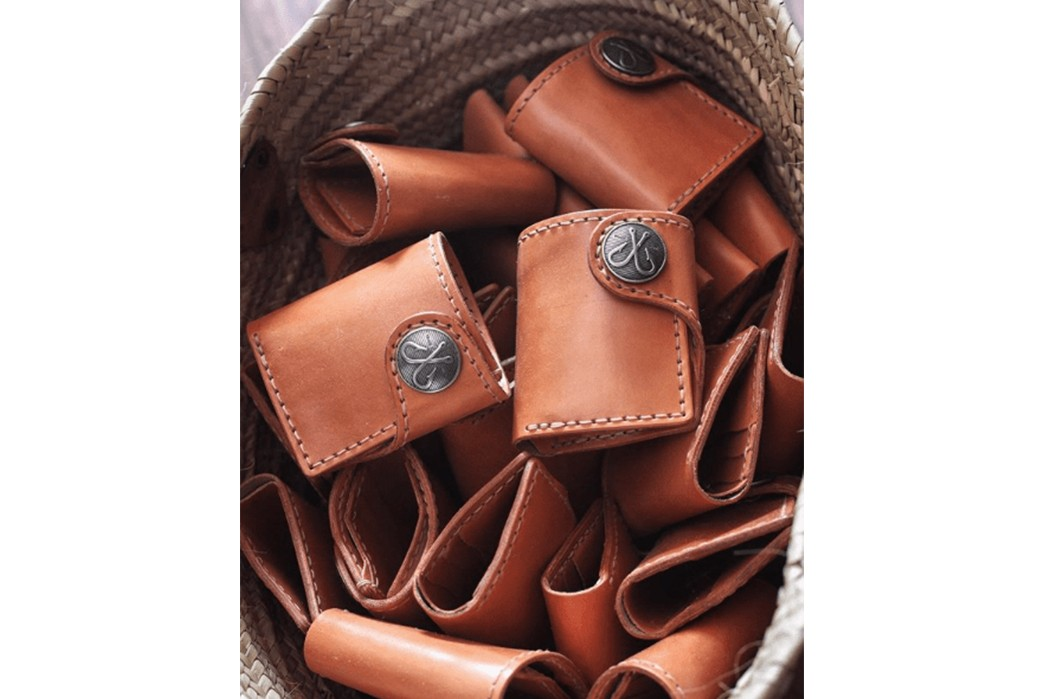 Corter-Leather---Brand-History,-Philosophy,-&-Iconic-Products-in-bag