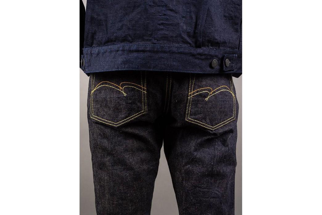 social-Studio-D'Artisan-Renders-Relax-Tapered-Jeans-In-California's-Foxfibre-model-back