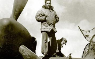 Eddie-Bauer---Getting-Down-With-An-Outerwear-Icon-USAAF-pilot-wearing-a-B-9-Parka-via-Tread-Magazine