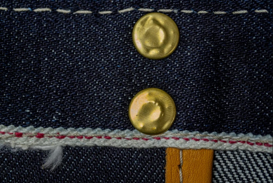Haul-Your-Hopes-For-A-Better-Year-In-The-UES-23-oz.-Denim-Tote-Bag-two-buttons-and-seams