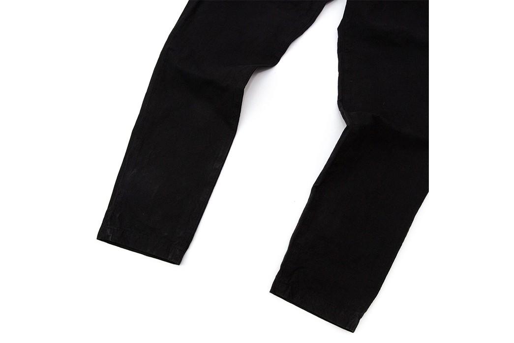 Sage-De-Cret's-Tapered-Pants-Aren't-Your-Average-Five-Pockets-legs