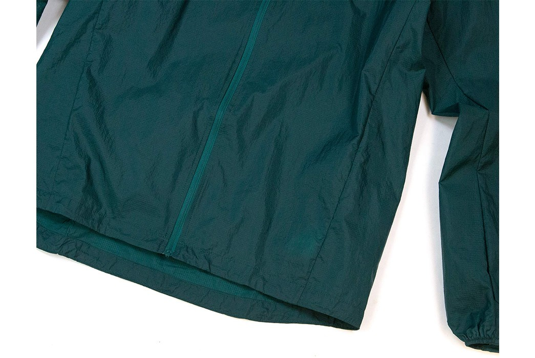 Scrunch-Up-Patagonia's-Houdini-Jacket-green-front-down