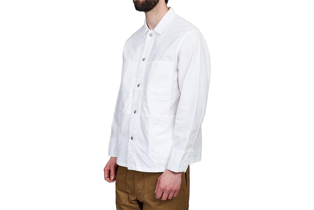Don't-Do-Any-Gardening-In-This-White-Oxford-Sassafras-Transplant-Jacket-model-side