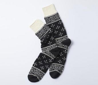 Poke-Out-Some-Paisley-With-RoToTo's-Bandana-Crew-Socks
