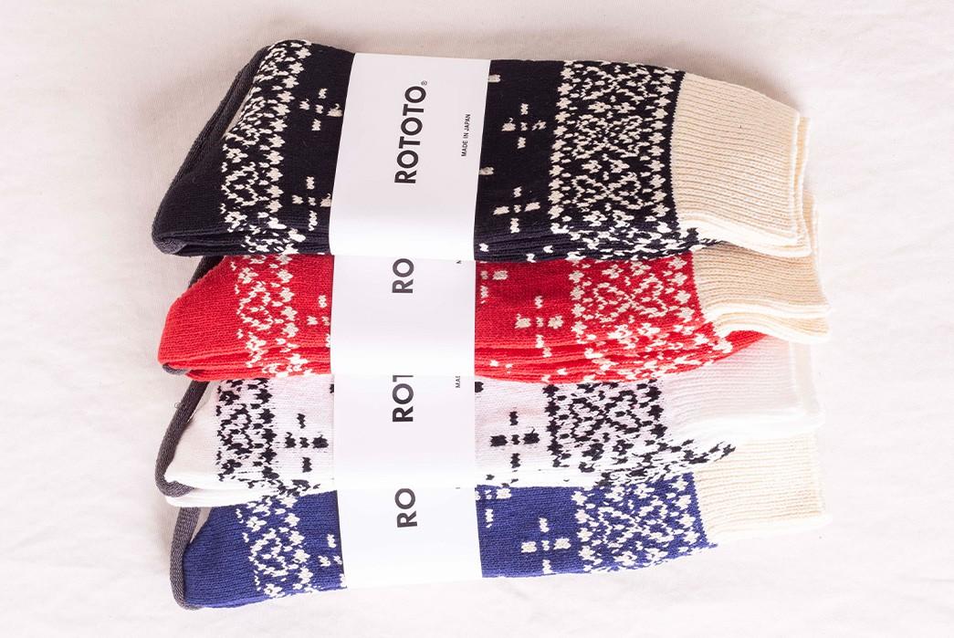 Poke-Out-Some-Paisley-With-RoToTo's-Bandana-Crew-Socks-stap