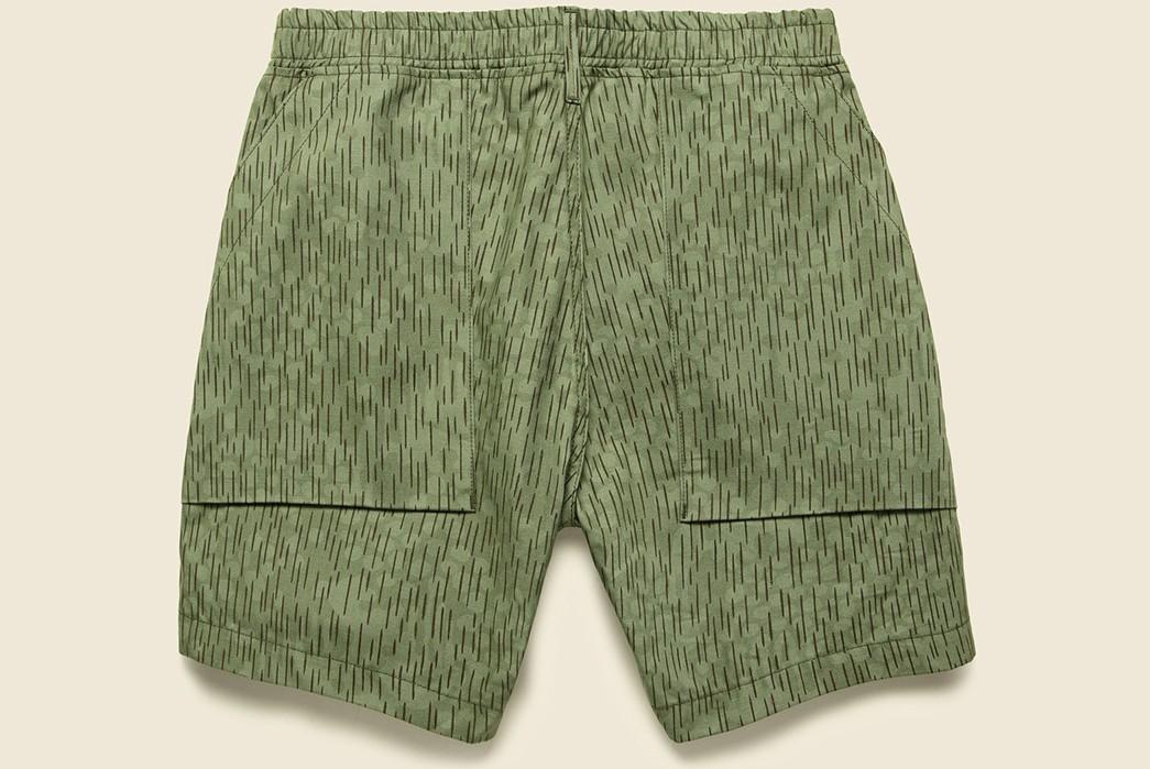 Drop-Into-Summer-With-RGT's-Rain-Camo-Fatigue-shorts-back