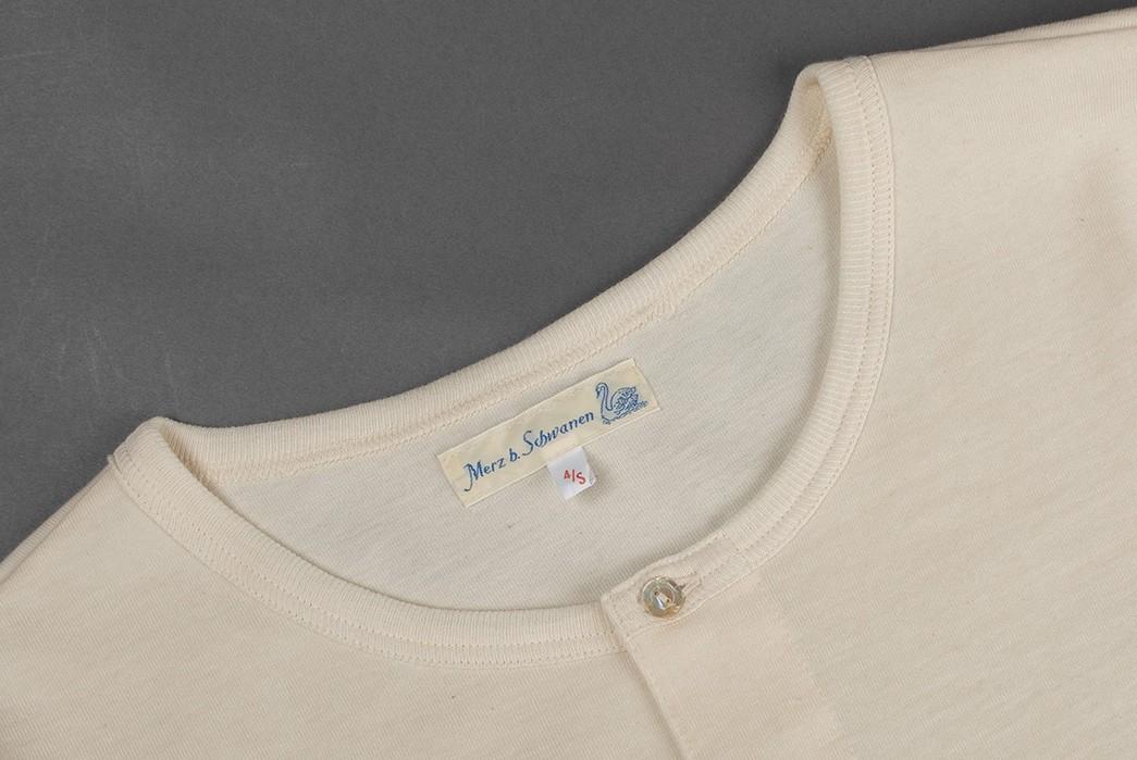 Long-Sleeve-Henleys---Five-Plus-One-5)-Merz-b.-Schwanen-Heavyweight-Organic-Henley-collar